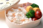 梅干しの炊き込みご飯のお弁当